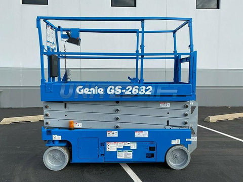 2013 GENIE GS2632 SCISSOR LIFT 26' REACH ELECTRIC SMOOTH CUSHION TIRES 198 HOURS STOCK # BF9734269-RIL