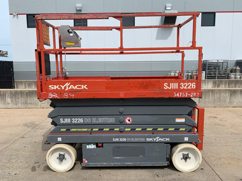 2012 SKYJACK SJIII3226 SCISSOR LIFT 26' REACH ELECTRIC CUSHION TIRES 128 HOURS STOCK # BF924620-RIL
