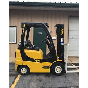 2007 YALE GLP040 4000 LB LP GAS FORKLIFT PNEUMATIC 84/130 2 STAGE MAST 3933 HOURS STOCK # 10102-27637E-ARB