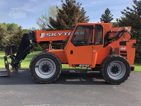 2017 SKYTRAK 6042 6000 LB DIESEL TELESCOPIC FORKLIFT TELEHANDLER PNEUMATIC 4WD ENCLOSED CAB 675 HOURS STOCK # BF9891369-ISNY