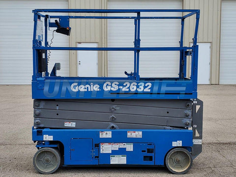 2014 GENIE GS2632 SCISSOR LIFT 26' REACH ELECTRIC SMOOTH CUSHION TIRES 113 HOURS STOCK # BF9253039-RIL