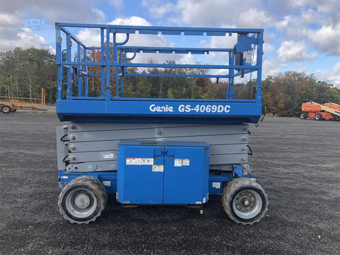 2013 GENIE GS4069DC SCISSOR LIFT 40' REACH ELECTRIC ROUGH TERRAIN 168 HOURS STOCK # BF9142439-ISNY - United Lift Used & New Forklift Telehandler Scissor Lift Boomlift