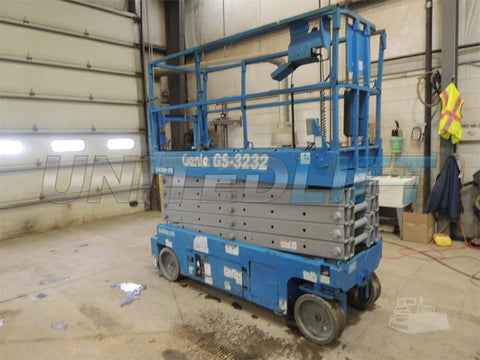 2011 GENIE GS3232 SCISSOR LIFT 32' REACH ELECTRIC SMOOTH CUSHION TIRES 235 HOURS STOCK # BF9976559-DBUF