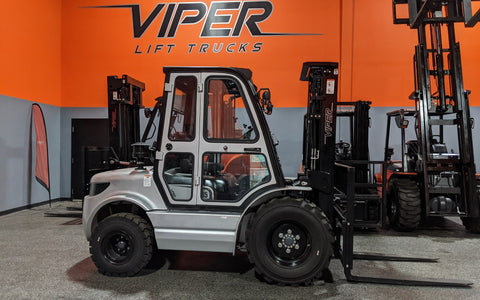 "2020 VIPER RTD35 8000 LB DIESEL FORKLIFT PNEUMATIC 92/189"" 3 STAGE MAST SIDE SHIFTER ENCLOSED HEATED CAB STOCK # BF9413479-ILIL - United Lift Used & New Forklift Telehandler Scissor Lift Boomlift"