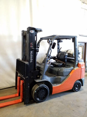 2014 TOYOTA 8FGC35U 8000 LB LP GAS FORKLIFT CUSHION 88/187 3 STAGE MAST SIDE SHIFTER 5708 HOURS STOCK # BF9219819-NCB