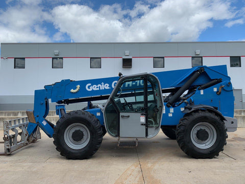 2012 GENIE GTH1056 10000 LB DIESEL TELESCOPIC FORKLIFT TELEHANDLER PNEUMATIC 4WD ENCLOSED CAB 2012 HOURS STOCK # BF924604-RIL