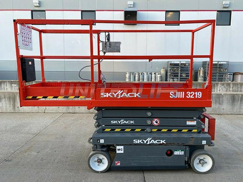 2016 SKYJACK SJIII3219 SCISSOR LIFT 19' REACH ELECTRIC CUSHION TIRES 76 HOURS STOCK # BF9705519-RIL