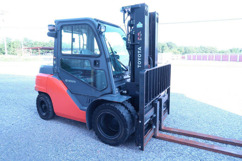 "2014 TOYOTA 8FD35U 8000 LB DIESEL FORKLIFT PNEUMATIC 87/187"" 3 STAGE MAST 1521 HOURS STOCK # BF330564-DPA"