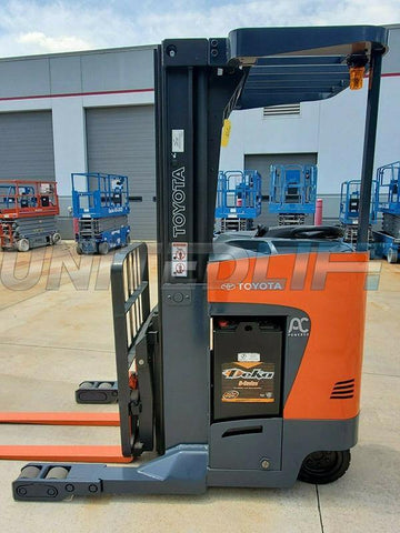 "2015 TOYOTA 8BRU18 3500 LB 36 VOLT ELECTRIC DOCK STOCKER FORKLIFT 89/192"" 3 STAGE MAST SIDE SHIFTER STOCK # BF9585099-RIL"