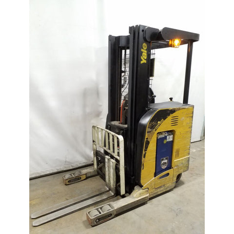 2007 YALE NR040DAN 4000 LB 36 VOLT ELECTRIC REACH FORKLIFT 91/203 3 STAGE MAST SIDE SHIFTER 7315 HOURS STOCK # 21302-NCB