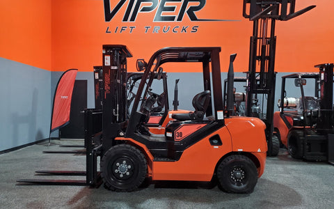 "2021 VIPER FD30 6000 LB DIESEL FORKLIFT PNEUMATIC 88/189"" 3 STAGE MAST SIDE SHIFTER STOCK # BF9223179-ILIL - United Lift Used & New Forklift Telehandler Scissor Lift Boomlift"