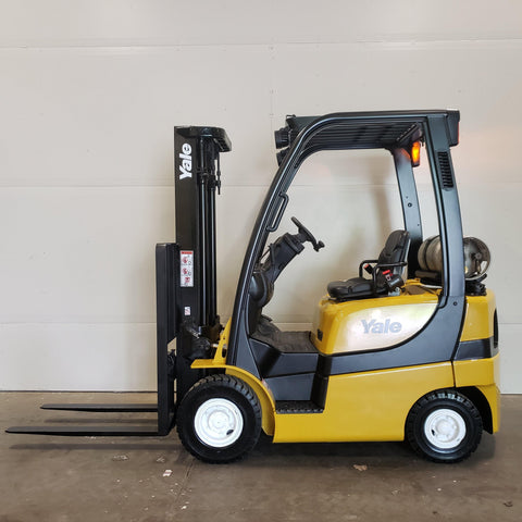 2010 YALE GLP040 4000 LB LP GAS FORKLIFT PNEUMATIC 84/128 2 STAGE MAST 2354 HOURS STOCK# BF985649-BUF