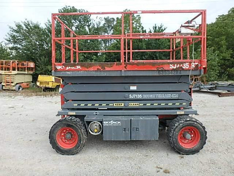 2006 SKYJACK SJ7135RT (2014 FACTORY RECON BY SKYJACK) SCISSOR LIFT 35' REACH DUAL FUEL PNEUMATIC TIRES 3316 HOURS STOCK # BF984529-WIBIL