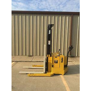 2002 YALE MSW040SEN24TV087 4000 LB ELECTRIC FORKLIFT WALKIE STACKER CUSHION 87/130 2 STAGE MAST 8782 HOURS STOCK # 3952-558290-ARB - united-lift-equipment