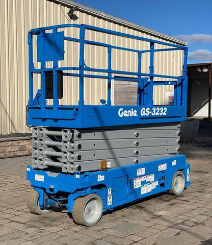 2014 GENIE GS3232 SCISSOR LIFT 32' REACH ELECTRIC SMOOTH CUSHION TIRES 108 HOURS STOCK # BF9141279-NLEQ