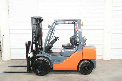 2014 TOYOTA 8FGU30 6000 LB LP GAS FORKLIFT PNEUMATIC 87/187 3 STAGE MAST SIDE SHIFTER 5753 HOURS STOCK # BF9112649-DPA