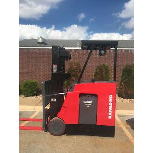 2008 RAYMOND DSS 300 3000 LB 36 VOLT ELECTRIC DOCK STOCKER FORKLIFT 83/189 3 STAGE MAST 3913 HOURS STOCK # 8627-351372-ARB