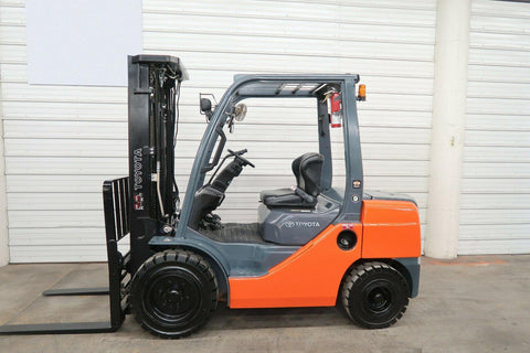 2014 TOYOTA 8FDU30 6000 LB DIESEL FORKLIFT PNEUMATIC 88/187 3 STAGE MAST SIDE SHIFTING FORK POSITIONER 4987 HOURS STOCK # BF9038589-DPA