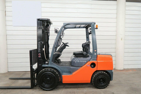 2014 TOYOTA 8FDU30 6000 LB DIESEL FORKLIFT PNEUMATIC 88/187 3 STAGE MAST SIDE SHIFTER 4068 HOURS STOCK # BF9970159-DPA