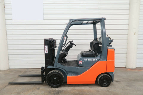 2008 TOYOTA 8FGCU25 5000 LB LP GAS FORKLIFT CUSHION 56/79 2 STAGE MAST SIDE SHIFTER 7671 HOURS STOCK # BF9034289-DPA