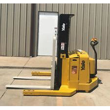 2005 YALE MSW040SEN24TE072 3000 LB ELECTRIC FORKLIFT WALKIE STACKER CUSHION 72/153 3 STAGE MAST 591 HOURS STOCK # 6166-02908C-ARB