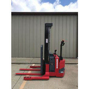 2004 RAYMOND RSS40 4000 LB ELECTRIC FORKLIFT WALKIE STACKER 86/128 2 STAGE MAST CUSHION SIDE SHIFTER 3947 HOURS STOCK # 5099-781399-ARB - united-lift-equipment
