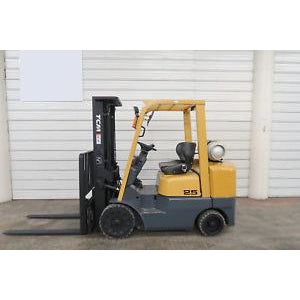 2005 TCM FCG25-3HL 5000 LB LP GAS FORKLIFT PNEUMATIC 85/189 3 STAGE MAST SIDE SHIFTER 3227 HOURS STOCK # BF65201-DPA