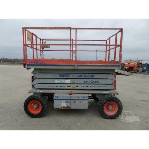 2010 SKYJACK SJ7135RT SCISSOR LIFT 35' REACH DUAL FUEL PNEUMATIC TIRES 2084 HOURS STOCK # BF973039-FILB