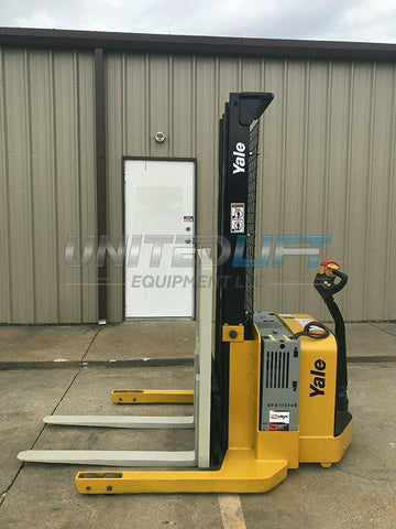 2015 YALE MSW040SEN24TV087 4000 LB ELECTRIC FORKLIFT WALKIE STACKER CUSHION 87/130 2 STAGE MAST SIDE SHIFTER 1114 HOURS STOCK # 9265-407032-ARB