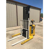 2005 YALE MSW040SEN24TV087 4000 LB ELECTRIC FORKLIFT WALKIE STACKER CUSHION 87/130 2 STAGE MAST 4117 HOURS STOCK # 4980-558284-ARB - united-lift-equipment