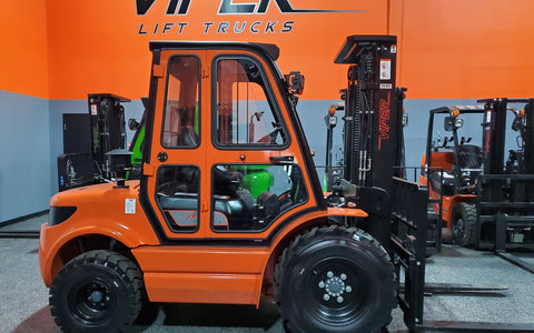 "2021 VIPER RTD35 8000 LB DIESEL FORKLIFT PNEUMATIC 92/189"" 3 STAGE MAST SIDE SHIFTER ENCLOSED HEATED CAB STOCK # BF9413139-ILIL - United Lift Used & New Forklift Telehandler Scissor Lift Boomlift"