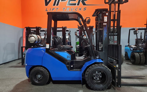 "2020 VIPER FY35 8000 LB LP GAS FORKLIFT DUAL PNEUMATIC 89/189"" 3 STAGE MAST SIDE SHIFTER BRAND NEW STOCK # BF9303629-ILIL - United Lift Used & New Forklift Telehandler Scissor Lift Boomlift"