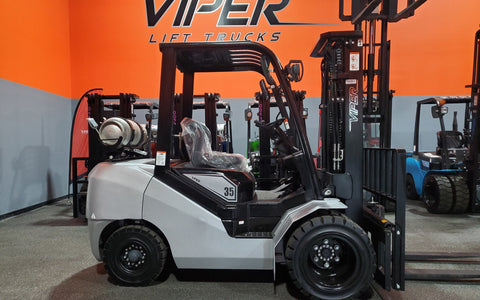 "2020 VIPER FY35 8000 LB LP GAS FORKLIFT DUAL PNEUMATIC 89/189"" 3 STAGE MAST SIDE SHIFTER BRAND NEW STOCK # BF9333619-ILIL - United Lift Used & New Forklift Telehandler Scissor Lift Boomlift"