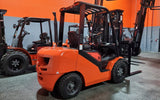 "2020 VIPER FD30 6000 LB DIESEL FORKLIFT PNEUMATIC 88/189"" 3 STAGE MAST SIDE SHIFTER STOCK # BF9223179-ILIL - United Lift Used & New Forklift Telehandler Scissor Lift Boomlift"