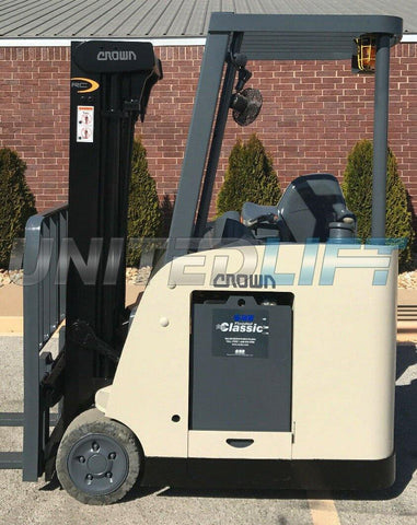 "2007 CROWN RC 5500C-30 3500 LB 36 VOLT ELECTRIC DOCK STOCKER FORKLIFT 83/190"" 3 STAGE MAST SIDE SHIFTER 13326 HOURS STOCK # 8712-482597-ARB"