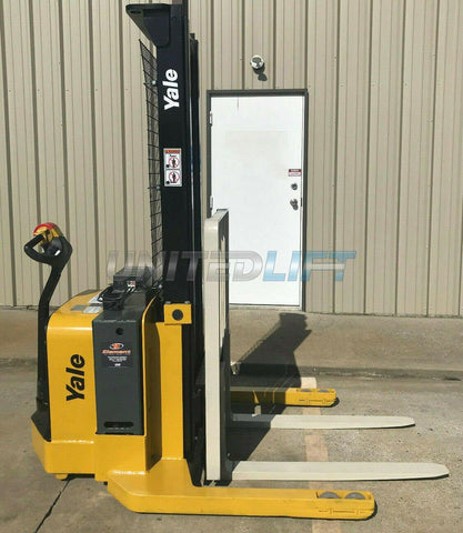 "2009 YALE MSW040SEN24TV087 4000 LB ELECTRIC FORKLIFT WALKIE STACKER CUSHION 87/130"" 2 STAGE MAST SIDE SHIFTER 2441 HOURS STOCK # 6601-912691-ARB - United Lift Used & New Forklift Telehandler Scissor Lift Boomlift"