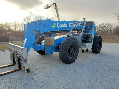 2013 GENIE GTH1056 10000 LB DIESEL TELESCOPIC FORKLIFT TELEHANDLER PNEUMATIC 4WD OUTRIGGERS 2958 HOURS STOCK # BF9607549-RIL - United Lift Used & New Forklift Telehandler Scissor Lift Boomlift