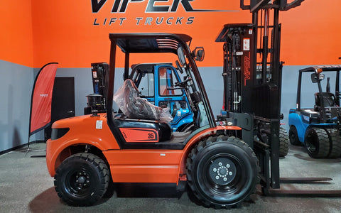 "2020 VIPER RTD35 8000 LB DIESEL FORKLIFT PNEUMATIC 92/189"" 3 STAGE MAST SIDE SHIFTING FORK POSITIONER STOCK # BF9423639-ILIL - United Lift Used & New Forklift Telehandler Scissor Lift Boomlift"
