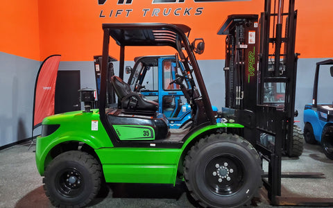 "2020 VIPER RTD35 8000 LB DIESEL FORKLIFT PNEUMATIC 92/189"" 3 STAGE MAST SIDE SHIFTER STOCK # BF9393649-ILIL - United Lift Used & New Forklift Telehandler Scissor Lift Boomlift"