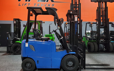 "2021 VIPER FB15 3000 LB 48 VOLT ELECTRIC FORKLIFT PNEUMATIC 83/189"" 3 STAGE MAST SIDE SHIFTER STOCK # BF9203159-ILIL - United Lift Used & New Forklift Telehandler Scissor Lift Boomlift"