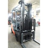 2015 TOYOTA 8FGU15 3000 LB LP GAS FORKLIFT PNEUMATIC 83/189 3 STAGE MAST SIDE SHIFTER 4650 HOURS STOCK # BF54012-DPA