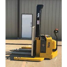 2006 YALE MSW040SFN24TV087 4000 LB ELECTRIC FORKLIFT WALKIE STACKER CUSHION 87/130 2 STAGE MAST 4142 HOURS STOCK # 5482-03425D-ARB