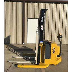 2005 YALE MSW040SEN24TV087 4000 LB ELECTRIC FORKLIFT WALKIE STACKER CUSHION 87/130 2 STAGE MAST 860 HOURS STOCK # 5588-02783C-ARB