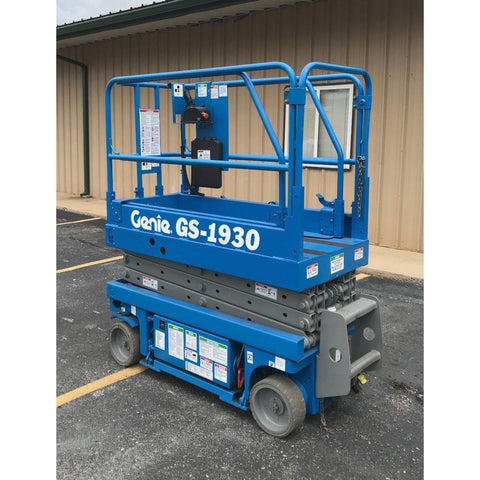 2000 GENIE GS1930 SCISSOR LIFT 19' REACH ELECTRIC ONLY 708 HOURS STOCK # BF32105-ARB