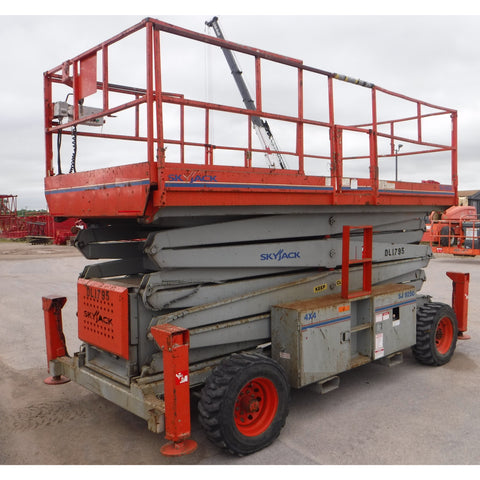 2005 SKYJACK SJ9250 SCISSOR LIFT 50' REACH DIESEL PNEUMATIC TIRES OUTRIGGERS ONLY 1200 HOURS STOCK # BF51433-BUF - united-lift-equipment