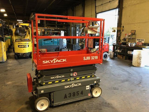 2018 SKYJACK SJIII3219 SCISSOR LIFT 19' REACH ELECTRIC CUSHION TIRES 12 HOURS STOCK # BF986539-NCB