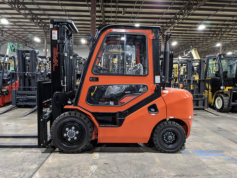 "2021 VIPER FD30 6000 LB DIESEL FORKLIFT PNEUMATIC 88/189"" 3 STAGE MAST SIDE SHIFTER ENCLOSED HEATED CAB STOCK # BF9286319-BUF - United Lift Equipment LLC"