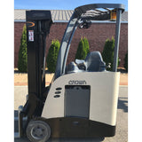 2010 CROWN RC 5520-30 2750 LB 36 VOLT ELECTRIC DOCK STOCKER FORKLIFT 83/190 3 STAGE MAST STOCK # 9987-359674-ARB