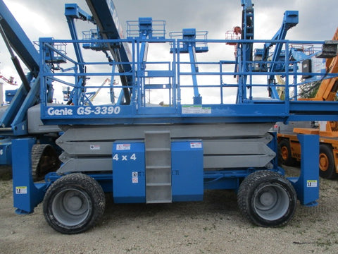 2013 GENIE GS3390RT SCISSOR LIFT 33' REACH DIESEL ROUGH TERRAIN 4WD OUTRIGGERS 1490 HOURS STOCK # BF9194539-WIB