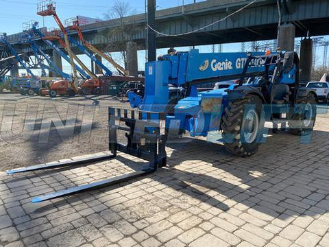 2015 GENIE GTH1056 10000 LB DIESEL TELESCOPIC FORKLIFT TELEHANDLER PNEUMATIC 4WD OUTRIGGERS OPEN CAB 2260 HOURS STOCK # BF9697569-NLEQ